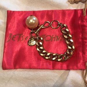 Betsey Johnson Vintage huge cream pearl bracelet